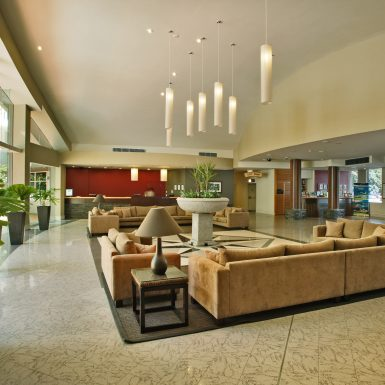 02 - Holiday Inn Cairns - General Lobby